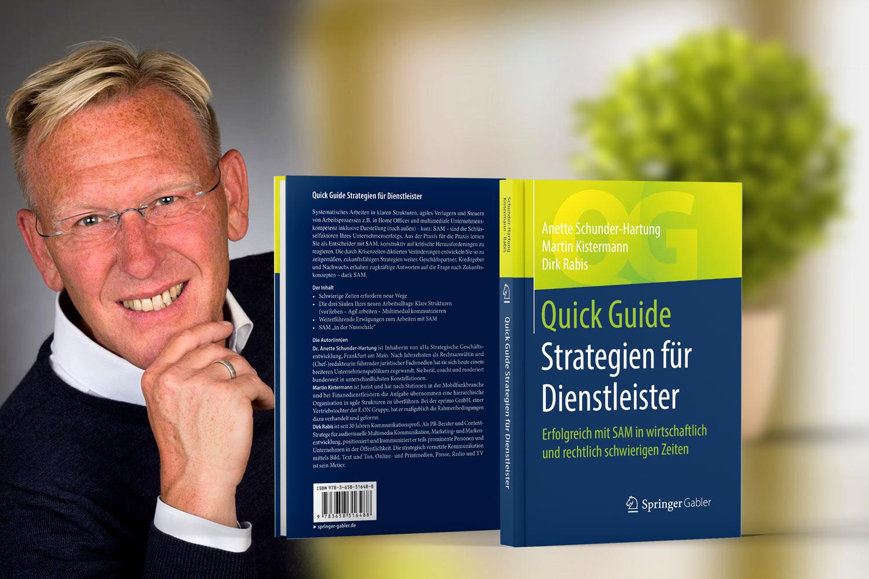 Buchautor Dirk Rabis. Das Buch Strategien für Dienstleister. Springer-Verlag.